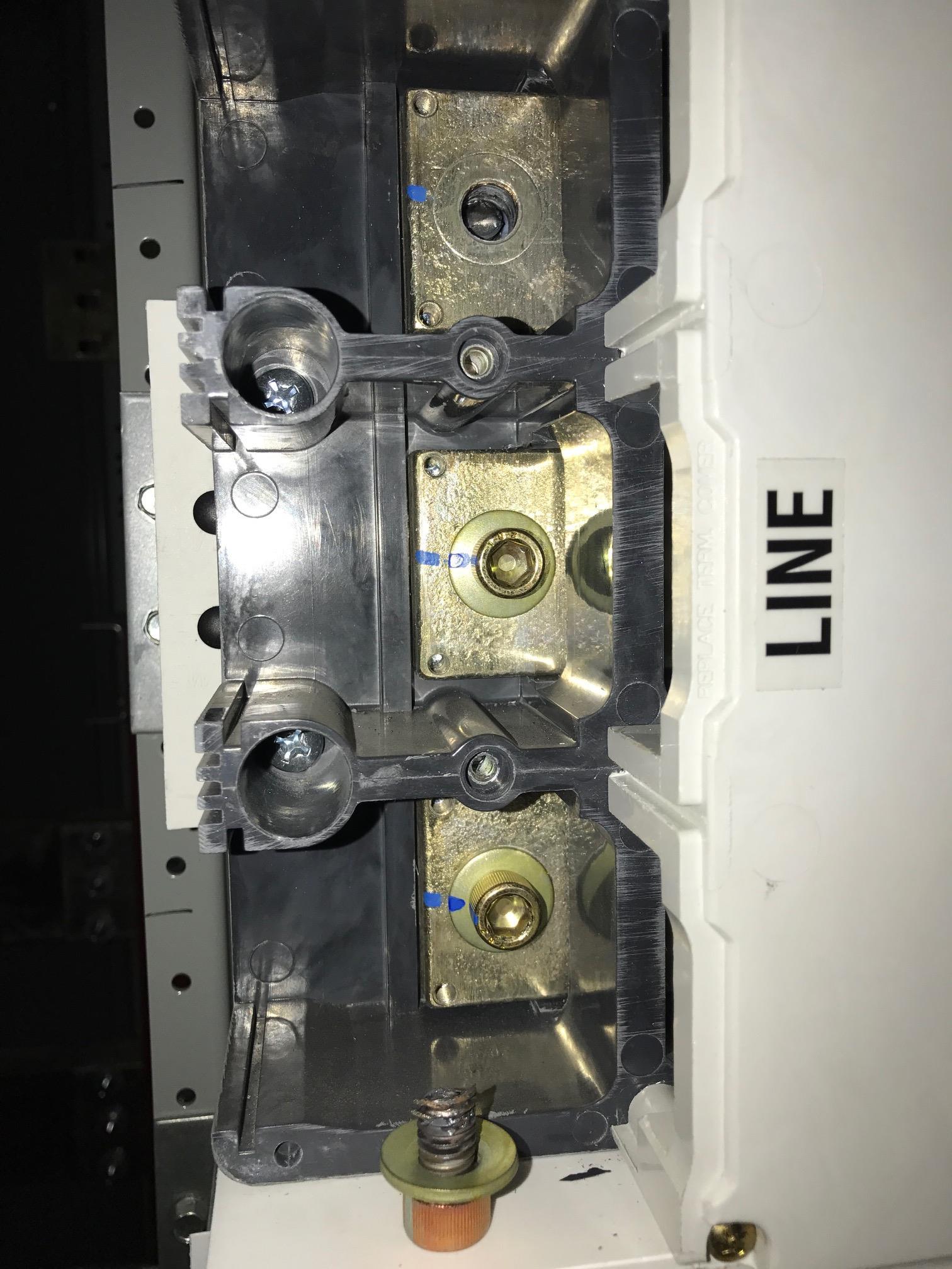 Circuit Breaker Bolt Torque Spec